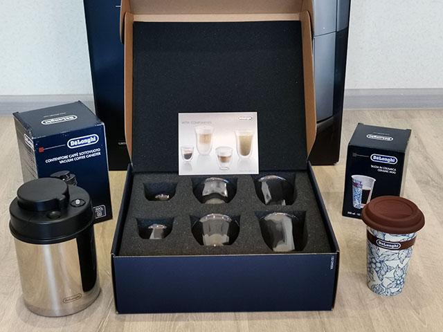 Стильные и удобные аксессуары De'Longhi: двухстеночные чашки, термокружка и вакуумный контейнер для зерен